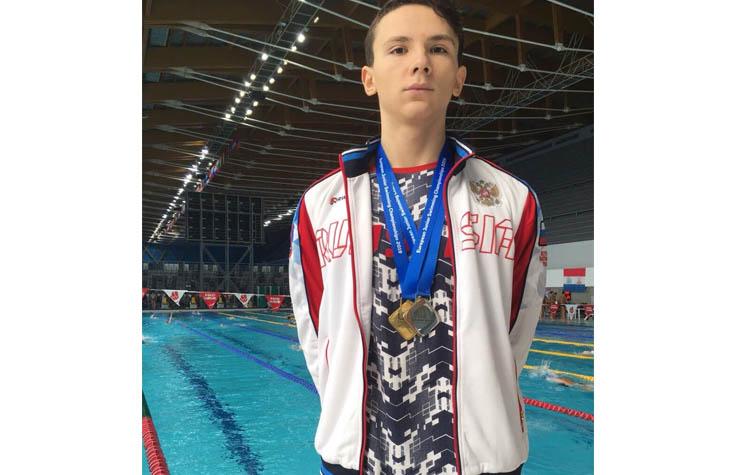 Мурманчанин стал бронзовым призёром Чемпионата Европы поплаванию